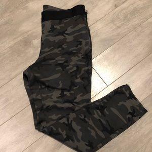 GAP Ponte Camo Pants with Side Zip, L
